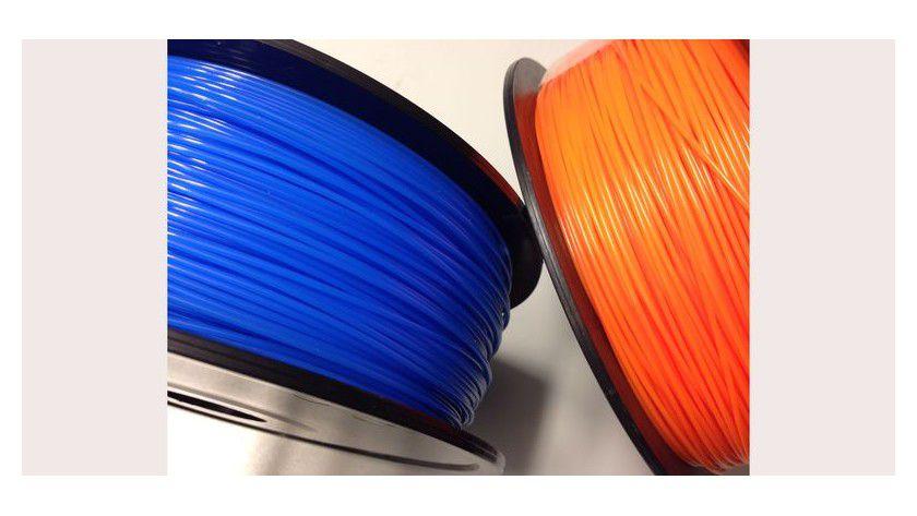 Üblicherweise kommt das Kunststoffmaterial für 3D-Drucker von der Rolle.