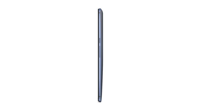 Der Rahmen des Nexus 6 besteht aus einem edlen Aluminium, die Rückseite dagegen aus glattem Kunststoff. Durch die leichte Wölbung liegt das Gerät aber gut in den Händen.