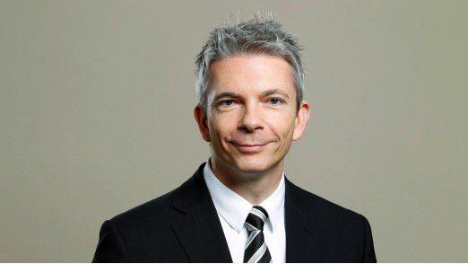 """Joachim Müller, CFO EMEA Deutsche Bank: """"Ein CFO muss sich heute viel stärker mit Prozessen und IT beschäftigen, um den Erfolg von Projekten zu gewährleisten, nicht zuletzt auch, weil der Wettbewerb es fordert."""""""