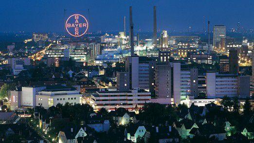 Die Bayer AG ist, gemessen an der Mitarbeiterzahl, der weltweit zweitgrößte Chemiekonzern.