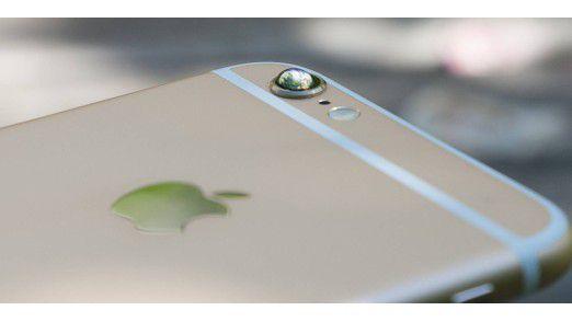 Mit einem Wassertropfen auf der iPhone-Kamera können Sie sehr leicht Makro-Aufnahmen erstellen ...