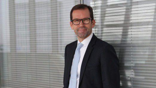 """""""Die IT verstand sich zu 100 Prozent als Dienstleister der Fachbereiche. Sie hatte keine Möglichkeit bekommen, ihre Governance auszuprägen"""", sagt Philipp Lübcke. Er kam Anfang 2013 als IT-Bereichsleiter von den Bremer Stadtwerken zu Mainova."""