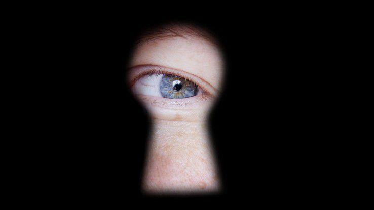 Früher wurde spioniert. Heute geht das immer öfter digital. Die vielen Fallstricke im Digital-Zeitalter sind Arbeitnehmer häufig nicht bewusst.