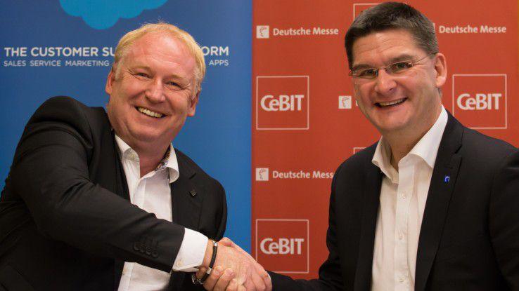 Salesforce-SVP Joachim Schreiner (links) vereinbarte vor einigen Wochen mit CeBIT-Chef Oliver Frese, die Salesforce World Tour erstmals im Rahmen der CeBIT zu veranstalten.