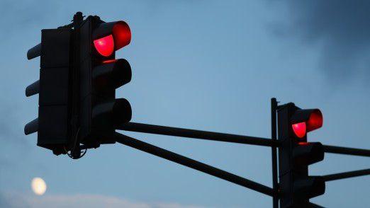 Fahrzeugen mit Verbrennungsmotoren droht die rote Ampel, geht es nach Nissan-Manager Hausch.