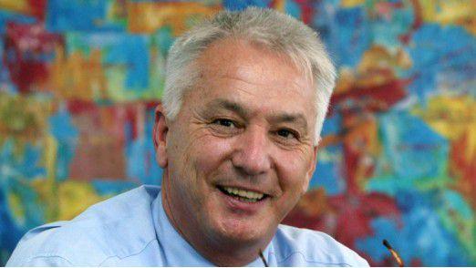 Professor Curt Diehm von der Max-Grundig-Klinik beobachtet, dass sich deutsche Führungskräfte zu stark stressen lassen.