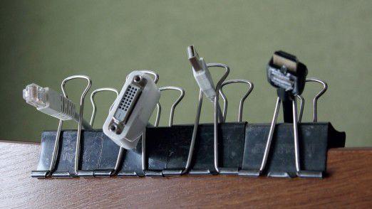 Endlich Ordnung: Mit Foldback-Klammern Kabel sortieren