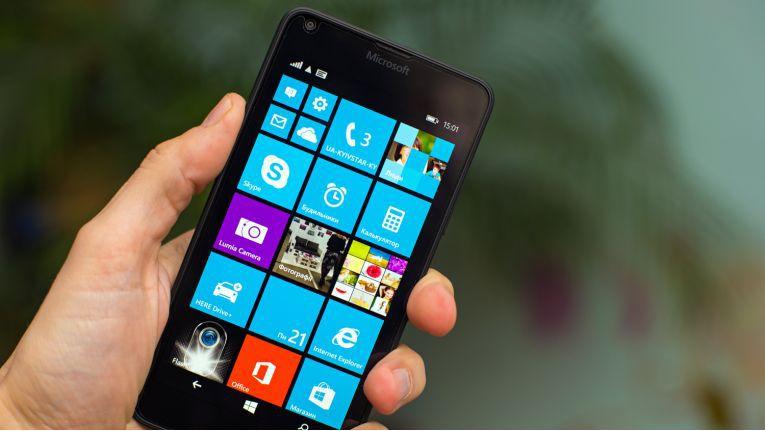 Künftig will Microsoft will Microsoft seine Smartphones noch stärker als bisher auf den Einsatz in Unternehmen ausrichten.