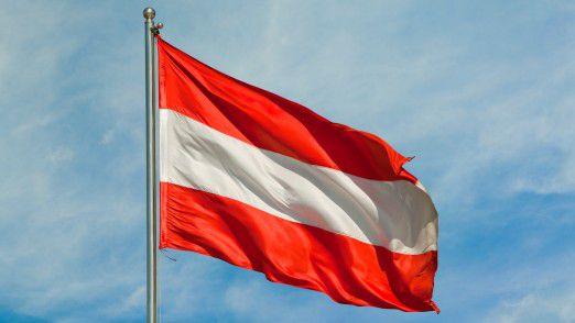Glaubt man dem österreichischen Notenbankchef Nowotny, wird es zu mehr Fusionen, Filialschließungen und einem verschärften Stellenabbau im Bankensektor kommen.