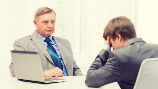 Falsch vorgetragenes Feedback kann zur Demotivation der Mitarbeiter führen.