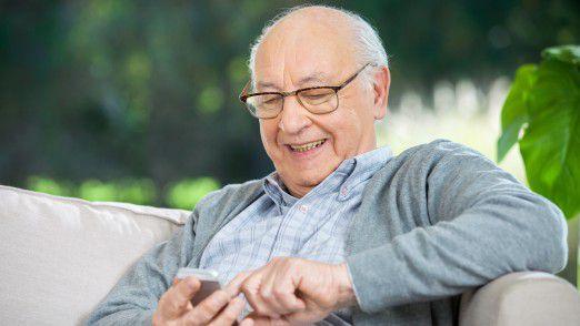Ältere haben oft Angst vor der Digitalisierung.
