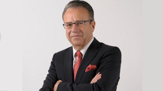 Frank-Jürgen Weise, Chef der Bundesagentur für Arbeit, rät Beschäftigten, sich frühzeitig auf die Folgen des digitalen Wandels vorzubereiten.
