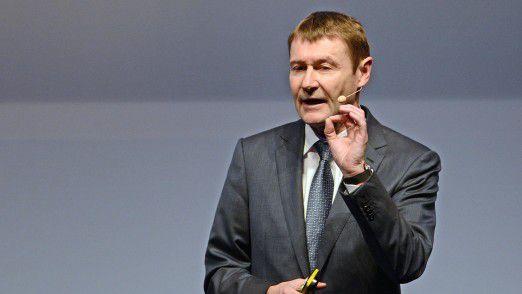 Siemens-Vorstand Klaus Helmrich sieht den Konzernbereich Digital Enterprise durch den Zukauf einer Low-Code-Plattform gestärkt.