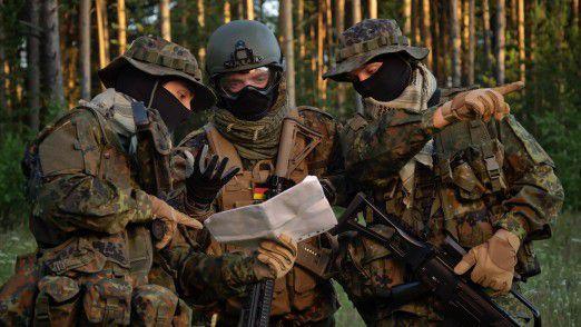 Neben Heer, Marine und Luftwaffe baut die Bundeswehr eine neue Organisationseinheit mit 13500 Soldaten und zivilen Mitarbeitern auf.