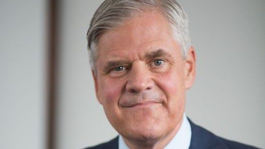 Bundesbank-Vorstand Andreas Dombret hat die Ideen für eine vereinfachte Regulierung kleiner Banken vorgestellt.