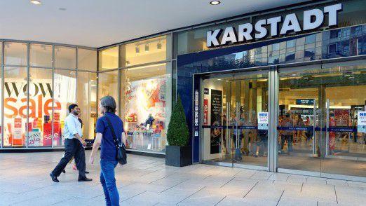 Die Geschäfte der Warenhausketten Karstadt (Foto) und Kaufhof laufen seit vielen Jahren nicht mehr richtig rund.