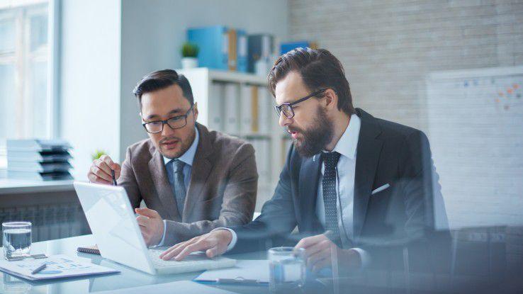 Echte Digitalisierung ist ganzheitlich: Nur weil der Vorstand und sein Stellvertreter auf dem Papier stehen hat, wie die Digitalisierung im Unternehmen funktionieren soll, wird sich nichts verändern. Dafür braucht es die gesamte Mannschaft.
