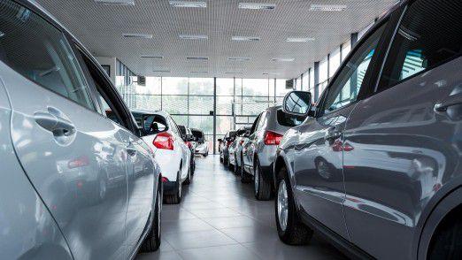 Kleines Autohaus mit Öffnungszeiten. Kunden wollen jedoch 24 Stunden am Tag einen kompetenten Ansprechpartner, der in Echtzeit antwortet.