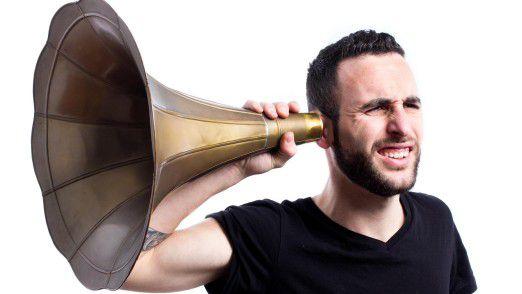 Nicht nur am, sondern auch im Ohr sind Hearables per Artificial Intelligende aktiv.