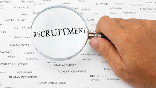 Unternehmen sind gut beraten, ihre oft angestaubten Recruiting-Methoden genauer unter die Lupe zu nehmen.