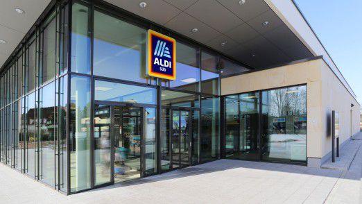 Mehr Markenartikel im Sortiment haben sich bei Aldi ausgezahlt und zum kräftigen Wachstum des Discounters beigetragen.