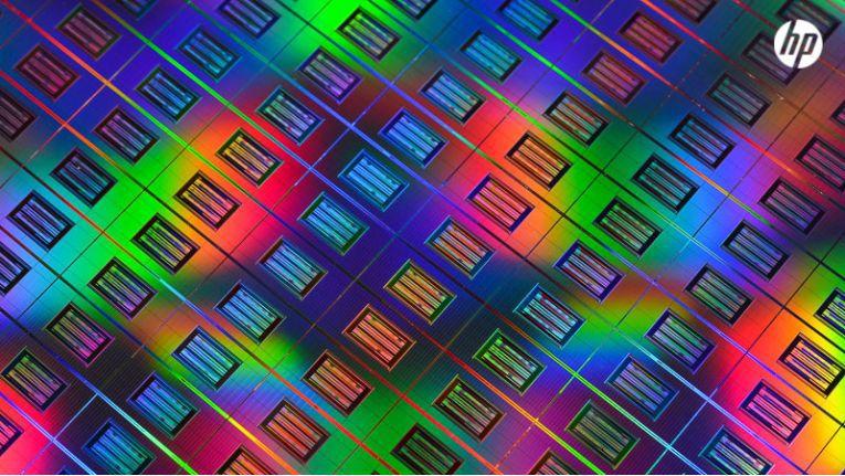 Noch ist die Ausbeute nutzbarer Chips auf einem Memristor-Wafer für den Produktiveinsatz zu klein.