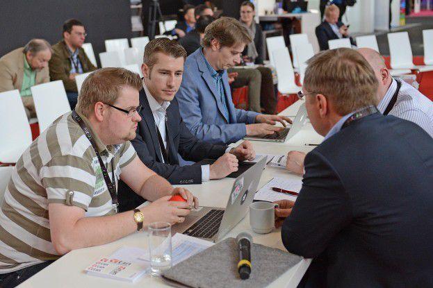 Die Jury im Einsatz beim Best in E-Commerce Kongress 2015.