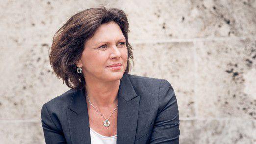 Ilse Aigner (CSU) will den Mittelstand vor Cyberkriminalität schützen. Eine schier unlösbare Aufgabe.