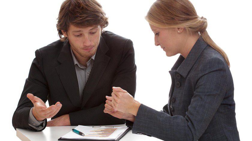 Ohne ausreichendes Wissen über die Geschäftsprozesse der Zielkunden ist es äußerst schwer, mit diesen ins Geschäft zu kommen. Auch haben die Kunden einen Haufen Erwartungen an eine IT-Lösung - dies ist IT-Experten oftmals nicht klar.