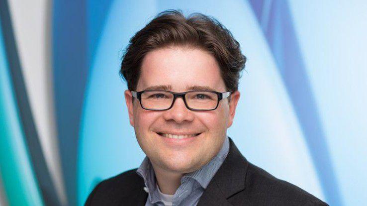 """Felix Schumann: """"Die Mitarbeiterzufriedenheit stieg mit der Einführung von E-Learning um 18 Prozent."""""""