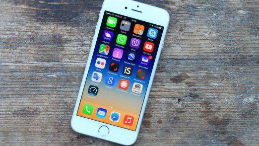 Vorinstallierte Zwangs-Apps lassen sich auf iPhone und iPad aktuell nur schwer verbergen.