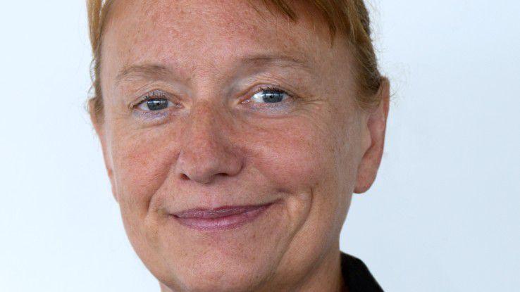 Uta Knöchel, CIO Uniklinikum Schleswig-Holstein, freut sich über die öffentliche Anerkennung für IT-Spitzenleistungen.