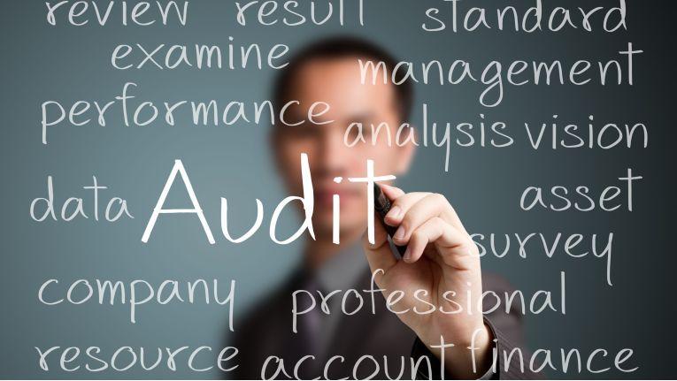 Es empfiehlt sich, den Cloud Provider per externem Audit zu überprüfen.