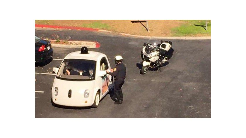 Die Höchstgeschwindigkeit des Google Car ist auf 25 Meilen pro Stunde begrenzt - zu langsam laut Polizei.