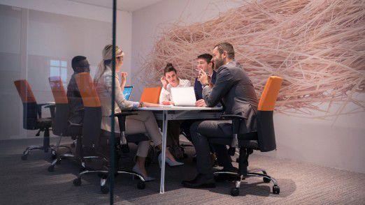 Auftraggeber erwarten, dass sich Freiberufler gut ins Team integrieren.