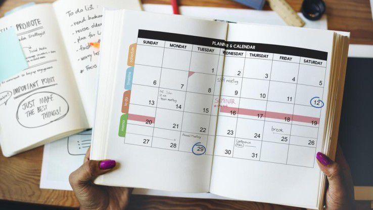 Kalender sind auch im Jahr 2016 noch aus Papier. Die Branche fürchtet die digitale Konkurrenz nicht - im Gegenteil.