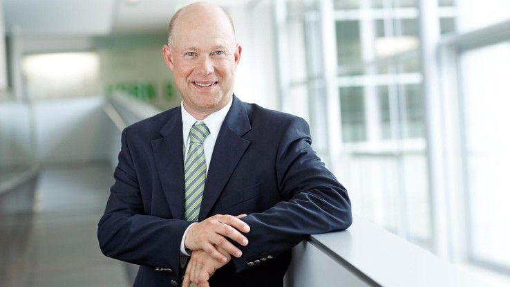 Jürgen Bockholdt ist CEO der CAREERS LOUNGE und beantwortet Fragen rund um neue Karrieremöglichkeiten.