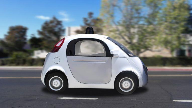 Trotz Zigtausenden von autonom zurückgelegten Kilometern und einem fertigen Modell sieht Musk in Google keine Konkurrenz.