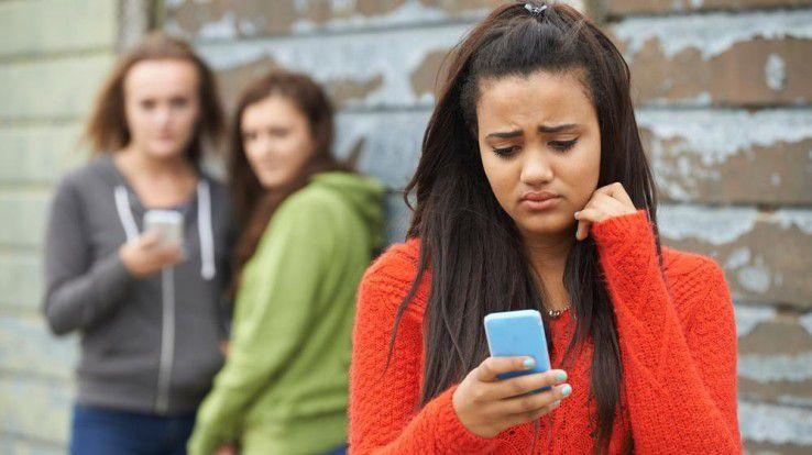 Jugendliche, die Opfer von Cybermobbing werden, können sich an Medienscouts wenden.