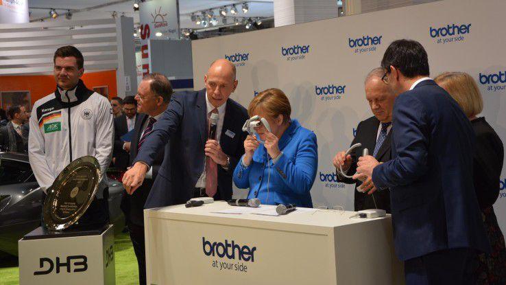 Angela Merkel auf der Spur der Messe-Trends 2016.