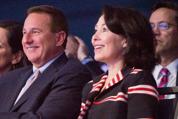 Mark Hurd und Safra Catz, die beiden Oracle-CEOs, haben gut Lachen: Spät ins Cloud-Business gestartet, tragen die Investitionen nun Früchte.