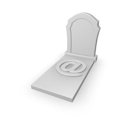 Die E-Mail wurde bereits oft für Tode erklärt - dennoch nutzen 86 Prozent der Unternehmen das Medium sehr häufig.