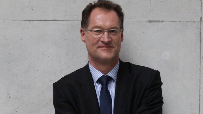 """Wolfgang Georg, Acuroc: """"Der IT-Service-Professional unterstützt IT-Organisationen als externer oder interner Mitarbeiter bei der Konzeption, Implementierung und Optimierung von Best Practices im IT-Service Management auf operativem, taktischen und strategischem Level mit dem Ziel, die Wettbewerbsfähigkeit der IT-Organisation und des Unternehmens nachhaltig zu verbessern."""""""