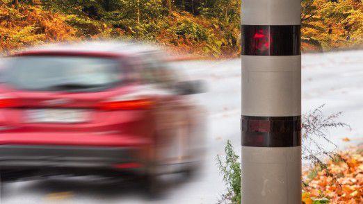 Die bei vielen unbeliebten Blitzer könnten in der vernetzten Zukunft zum Unfallmelder und Lebensretter werden.