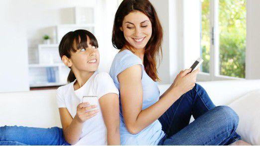 Geht es nach dem Präsidenten des Deutschen Lehrerverbands, Heinz-Peter Meidinger, sollen Handys zukünftig zu Hause bleiben.