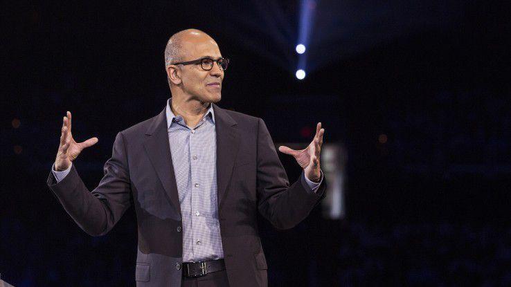 Microsoft-Chef Satya Nadella plädiert dafür, dass KI-Technik nicht allein Sache der großen IT-Konzerne sein dürfe.