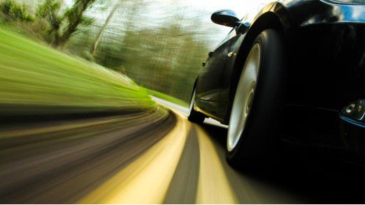 Heuern Informatikabsolventen bei einem Autohersteller an, sind sie mit einem Startgehalt von gut 49.000 Euro auf der Überholspur.