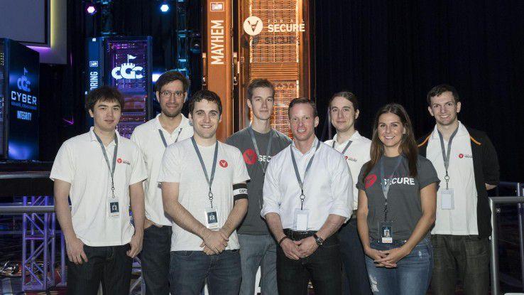 """Team ForAllSecure: Die Gewinner der """"Cyber Grand Challenge"""" und ihr Supercomputer """"Mayhem"""""""