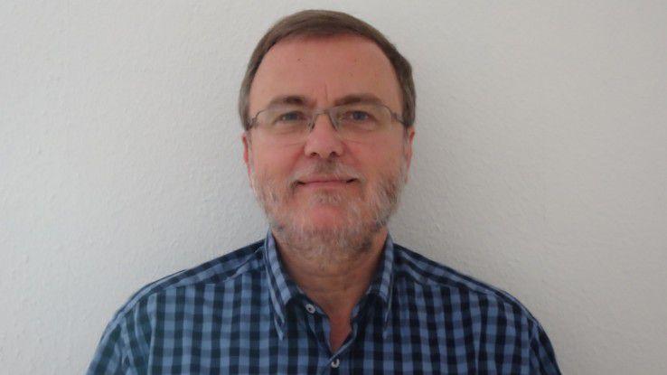 Michael Royar ist Geschäftsführer der eXirius IT-Dienstleistungs GmbH und hat die fragen für das Zertifikat des SQL-Datenbankentwicklers erstellt.