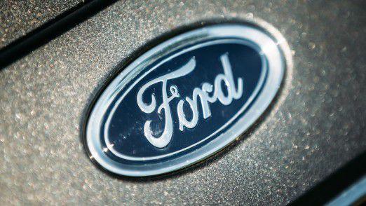 Ford-Chef Mark Fields setzt die schwache Entwicklung des Aktienkurses unter Druck.